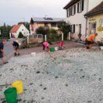 Schulhof grasen